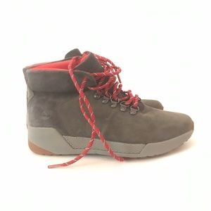 Timberland NEW Boots Grey and Red Size 7M